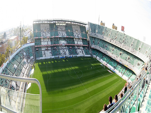 http://www.ceroacero.es/img/estadios/141/46141_ori_estadio_benito_villamarin.jpg